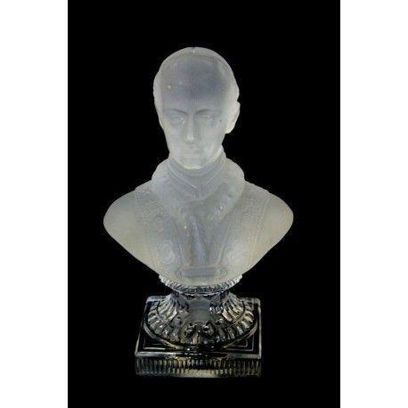 Elegante estatua del Papa León XIII