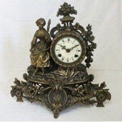 Elegante reloj Aleman,para chimenea o sobremesa, en excelente estado de conservación