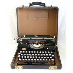 Antigua Máquina de Escribir Royal en Perfecto Estado de origen Americano.