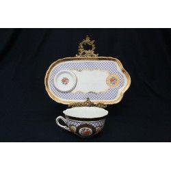 Antigua tasa con su plato a juego, porcelana francesa Limoges.