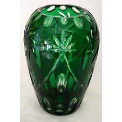 Antiguo florero de bohemia tallado a mano de color Verde