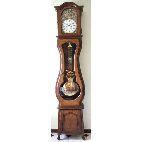 Espectacular reloj de antesala, de pie, con cuerdas manuales, de origen francés, y funcionando a la perfección.