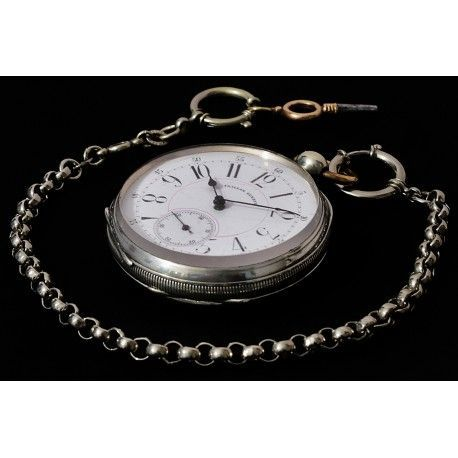 Antiguo reloj de bolsillo en plata de origen suizo de los años 1900 y funcionando.