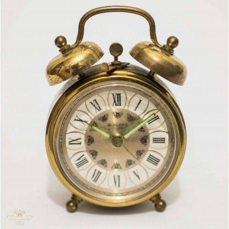 Antiguo reloj despertador de sobremesa de cuerda manual y funcionando