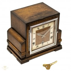 Antiguo reloj de sobremesa con Sonería de los cuartos , de origen ingles