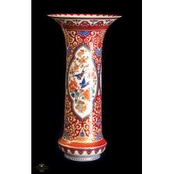 Bonito jarron antiguo de porcelana pintado a mano de origen aleman, de la marca Kaiser