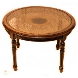 Antigua mesa en caoba, tallada a mano.