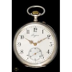 Antiguo reloj de bolsillo Longines de origen suizo y funcionando de los años 1900.