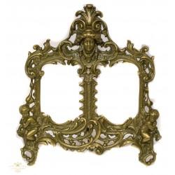Antiguo marco rococo en bronce macizo.