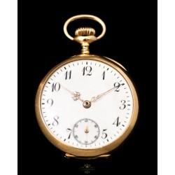 Precioso reloj de bolsillo, de oro macizo 18K de la marca Omega de origen suizo, circa 1920.
