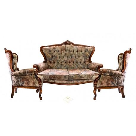 Antiguo sofá isabelino con su sillones a juego , en excelente estado de conservación.
