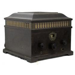 Espectacular radio antigua de los años 1930, de origen sueco, en excelente estado.