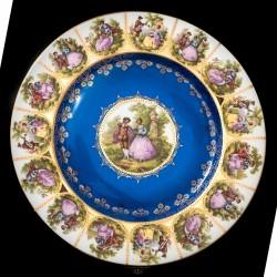 Espectacular plato antiguo de porcelana pintado a mano de origen alemán de finales del siglo XIX.