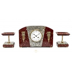Antiguo reloj de Sobremesa de origen francés en Mármol y bronce a juego un par de guarnición funcionando.