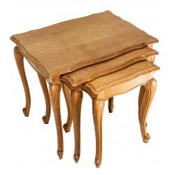 Antiguo juego de mesas nido, en madera maciza de origen inglés