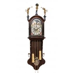 Antiguo reloj de pared holandés con fase lunar de cuerda manual y funcionando.