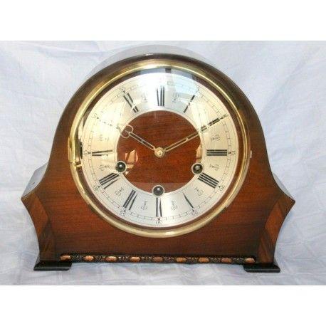 Antiguo reloj de sobremesa o chimenea con carga manual De los cuartos
