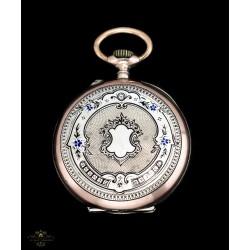 Antiguo reloj de bolsillo de origen suizo y funcionando de los años 1900.