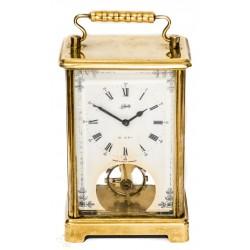 Antiguo reloj de carruaje, cuerda manual ,de origen alemán.