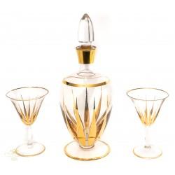 Antigua botella con pareja de copas de cristal