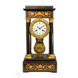 Antiguo reloj pórtico, de los años 1900, de la casa Japy Freres, en excelente estado.