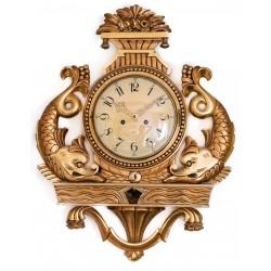 Antiguo reloj de pared muy decorativo ,de madera y pan de oro, funcionando