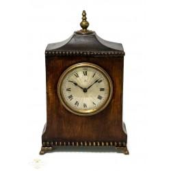 Antiguo reloj de sobremesa de origen aleman.