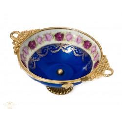 Espectacular plato antiguo de porcelana pintado a mano de origen aleman Bavaria de finales del siglo XIX.