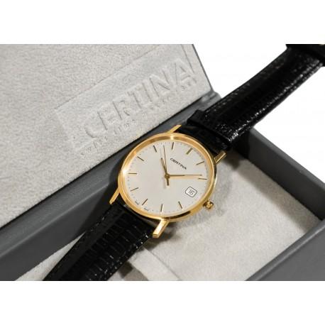 Precioso reloj de pulsera, de oro 18K de la marca Certina de origen suizo.