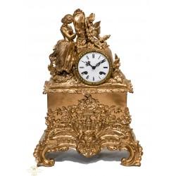 Antiguo reloj de sobremesa bronce,de cuerda manual en excelente estado.