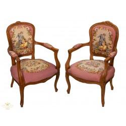 Bellísimos sillones Luis XV, de origen francés, en excelente estado.