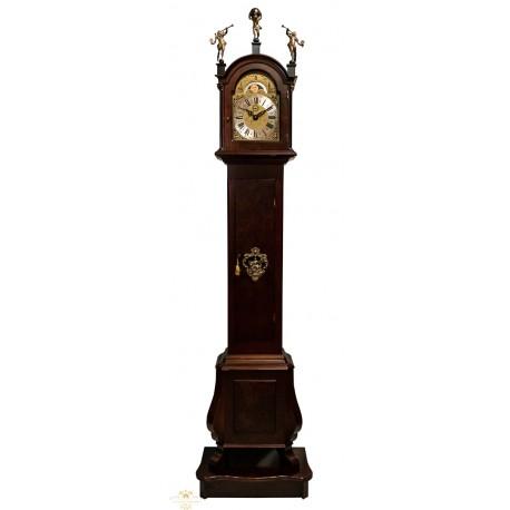 Gran reloj de pie, de los cuartos, en excelente estado de funcionamiento, con sonería Winsminster y fase lunar