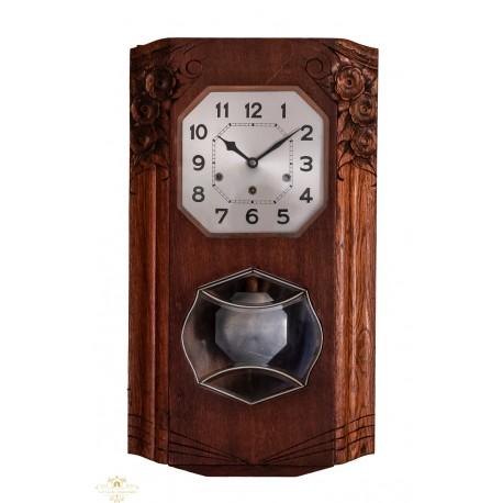 Antiguo reloj de los cuartos, de origen francés,funcionando con soneria Winsminster